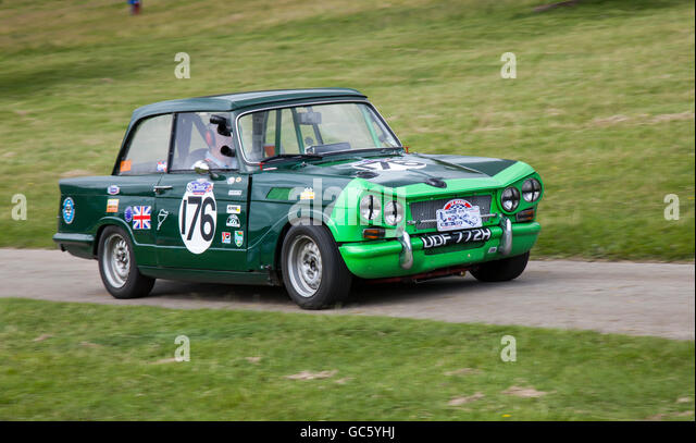 triumph-udf7725-176-racing-car-at-leight