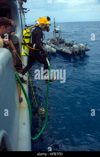 49 52 stock photos 49 52 stock images alamy for Naval diving unit