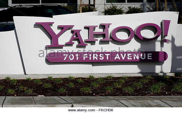College Finance question about Microsoft's bid for Yahoo?!!?