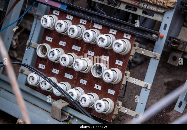 an old fuse panel with ceramic fuses from east germany seen in the h6kk1w main fuse stock photos & main fuse stock images alamy old fuse box colours at readyjetset.co