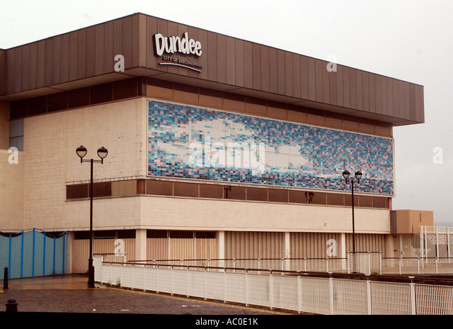 Leisure centre pool stock photos leisure centre pool - Dundee swimming pool opening times ...