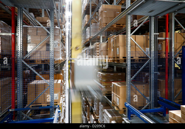warehouse distribution order picking stock photos warehouse distribution order picking stock. Black Bedroom Furniture Sets. Home Design Ideas