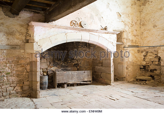 Medieval Fireplace Stock Photos & Medieval Fireplace Stock Images ...