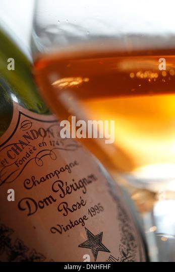 Dom perignon champagne glass stock photos dom perignon for Champagne marne
