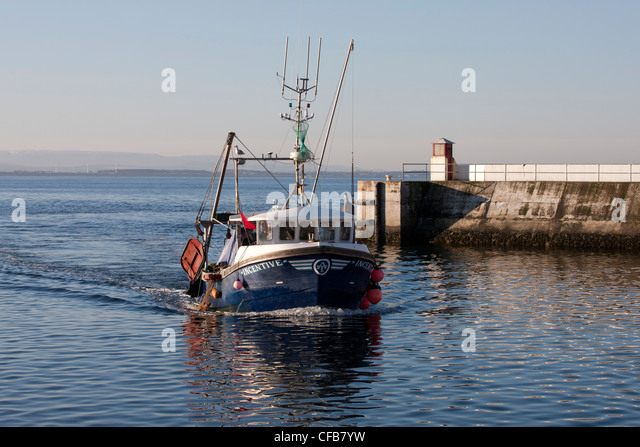Burghead harbour stock photos burghead harbour stock for Inshore fishing boats