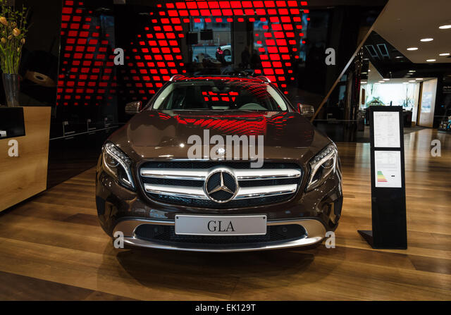 New Bmw 5 Series Saloon Merseyside >> Auto Automobile 5 Speed Stock Photos & Auto Automobile 5 Speed Stock Images - Alamy