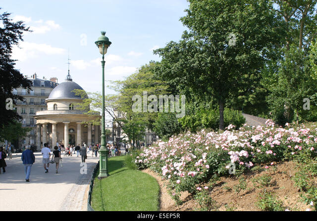 parc monceau stock photos parc monceau stock images alamy. Black Bedroom Furniture Sets. Home Design Ideas
