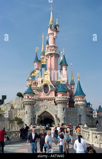 Disneyland paris stock photos disneyland paris stock for Amusement parks in paris
