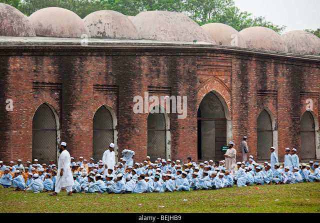 khulna muslim Islam is the major religion in khulna, approximately 8012% people are muslim, and the proportion of other religions are: hindu 1911%, christian 067%, buddhist 004%, and others 006% economy edit this section needs expansion.