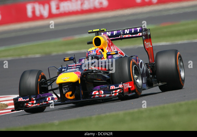Red bull racing stock photos red bull racing stock for Garage prudhomme 16