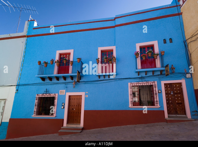 Ferronnerie stock photos ferronnerie stock images alamy - Chanson une maison bleue ...