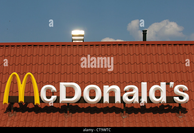 Fast food restaurant signs stock photos fast food for Mcdonalds norwich ny