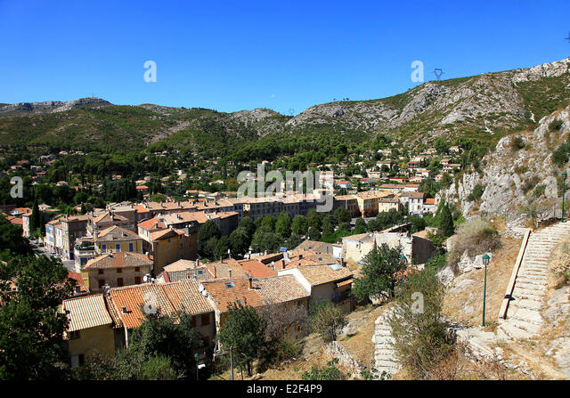 Roquevaire stock photos roquevaire stock images alamy for Bouches rhone