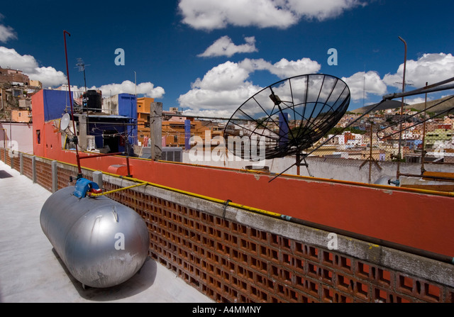 Citerne stock photos citerne stock images alamy for Antenne satellite interieur