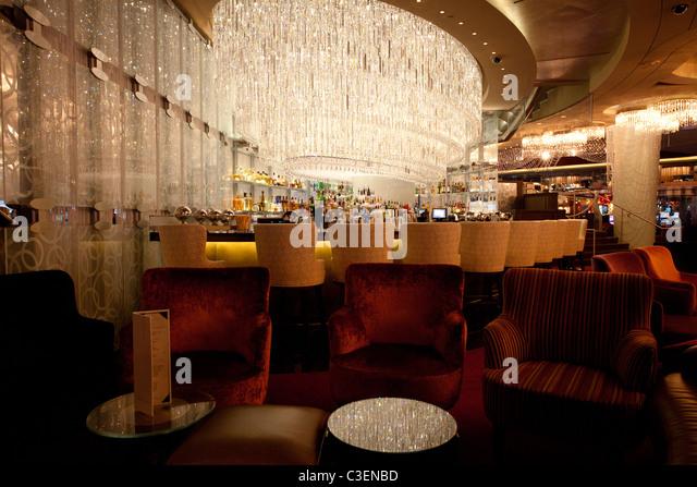 Chandelier Bar Cosmopolitan Hotel Casino Stock Photos & Chandelier ...