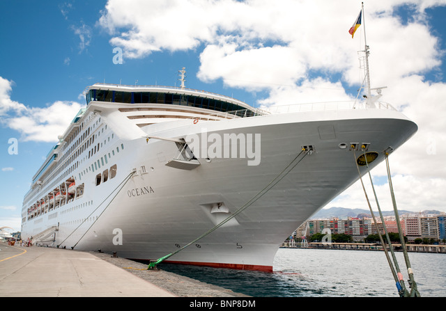 Bow and starboard stock photos bow and starboard stock - What side is port and starboard on a boat ...