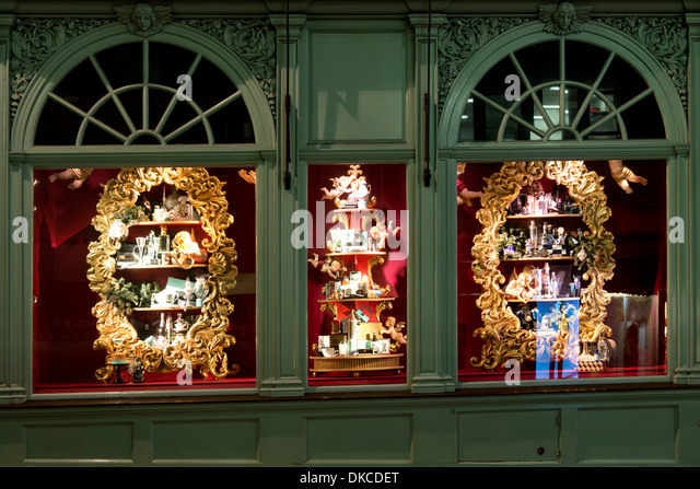Illuminination stock photos illuminination stock images - Fortnum and mason christmas decorations ...