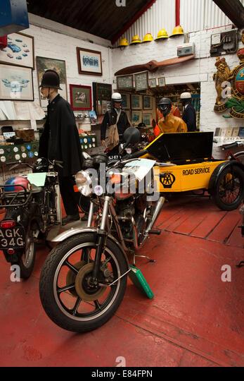 Triumph bonneville stock photos triumph bonneville stock for Garage auto bonneville