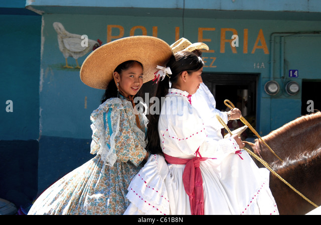 chapala single catholic girls Pat said that most of the expats in this area live in aticama  this is a diary of my daily life in lake chapala and other  i am a single retired .
