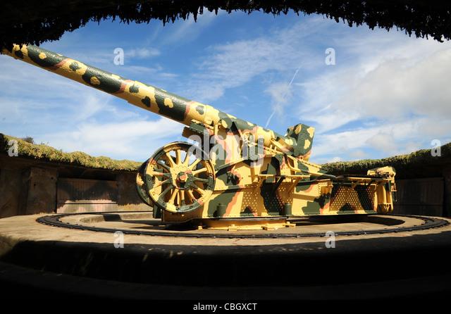 ww11 german 22cm k532 f artillery piece on display in a restored