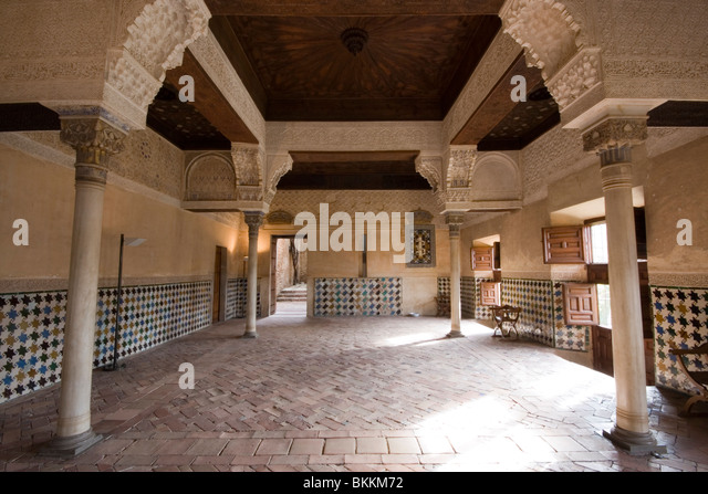 Alhambra interior room with columns - Stock Image