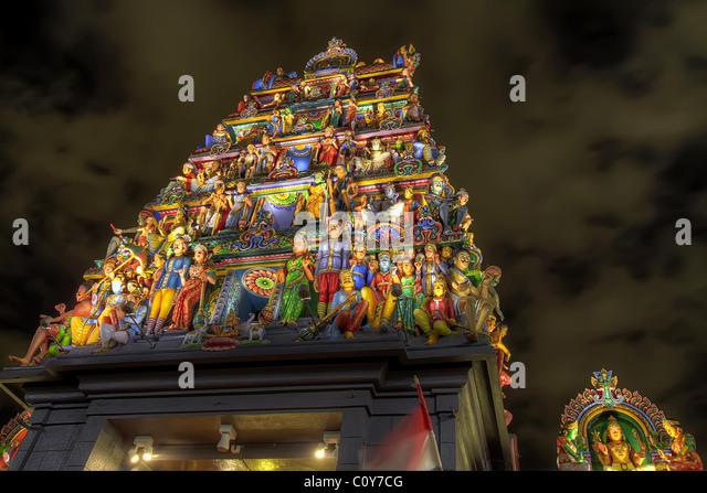Sri Dalada Maligawa at Night | Kandy was the capital of the ? | Flickr