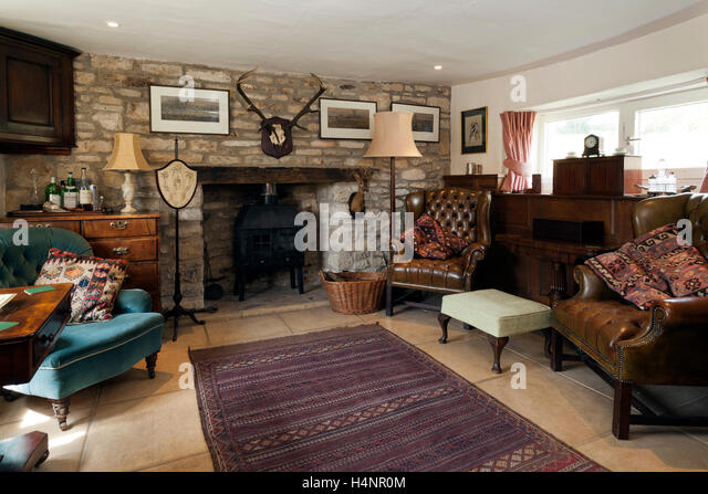 Remarkable Cottage Sitting Room Stockfotos Und Cottage Sitting Room Largest Home Design Picture Inspirations Pitcheantrous