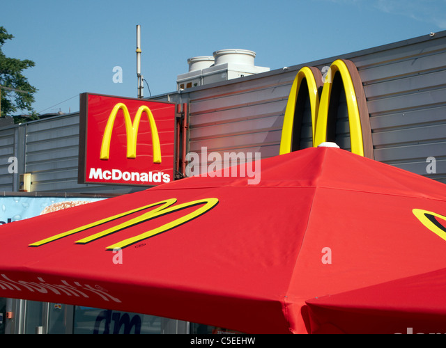 mcdonald 39 s restaurant europe stock photos mcdonald 39 s restaurant europe stock images alamy. Black Bedroom Furniture Sets. Home Design Ideas
