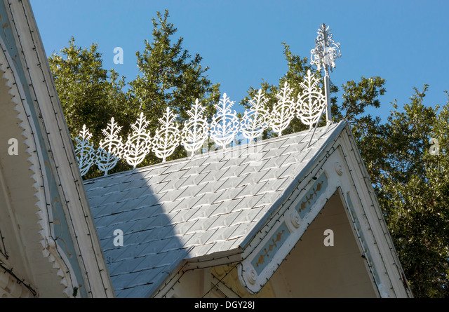 Ridge Tiles Stock Photos Amp Ridge Tiles Stock Images Alamy