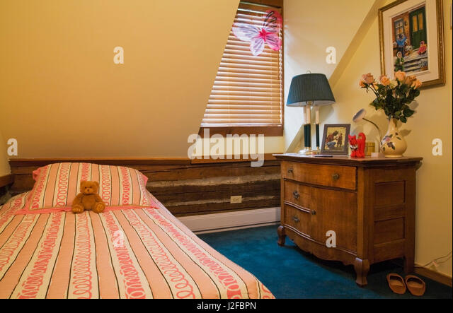 1970s Decor Stock Photos amp 1970s Decor Stock Images Alamy : single bed and old wooden dresser in childs bedroom on the upstairs j2fbpn from www.alamy.com size 640 x 443 jpeg 55kB