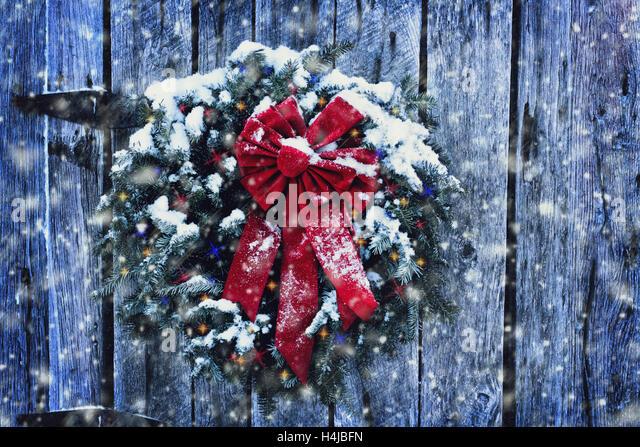 Wreath Door Snow Stock Photos Amp Wreath Door Snow Stock