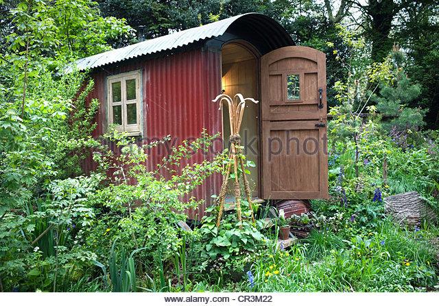 The Plankbridge Shepherdu0027s Hut Garden Sponsor: Plankbridge Hutmakers Ltd Artisan  Garden At RHS CHelsea Flower