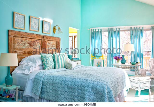 Farmhouse bed and breakfast stock photos farmhouse bed for Cottage charm farmhouse