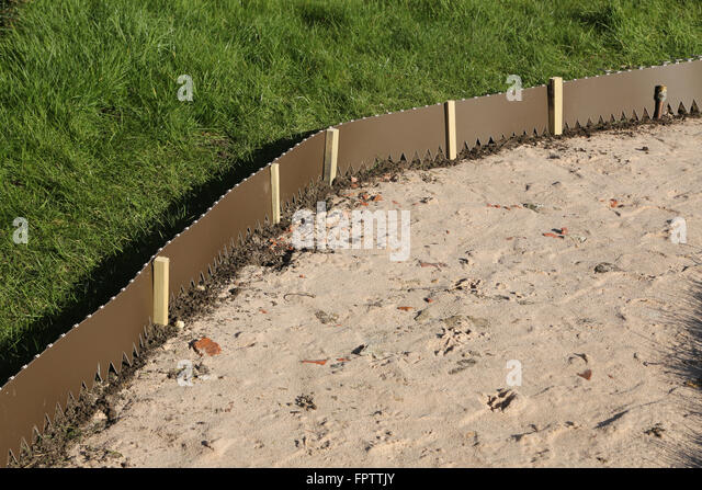 Beautiful Laying New Garden Path   Lawn Edging Strip Surrey England   Stock Image