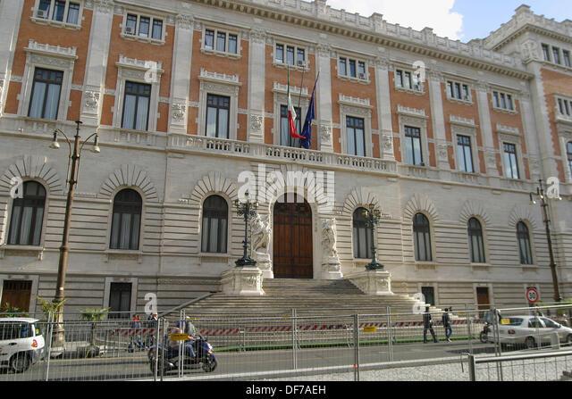 Parlamento stock photos parlamento stock images alamy for Parlamento rome