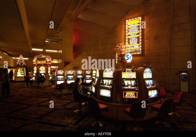 Luxor hotel slots