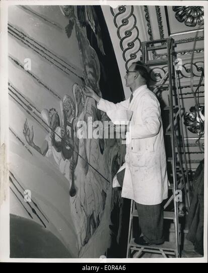 Gilding stock photos gilding stock images alamy for Church mural restoration
