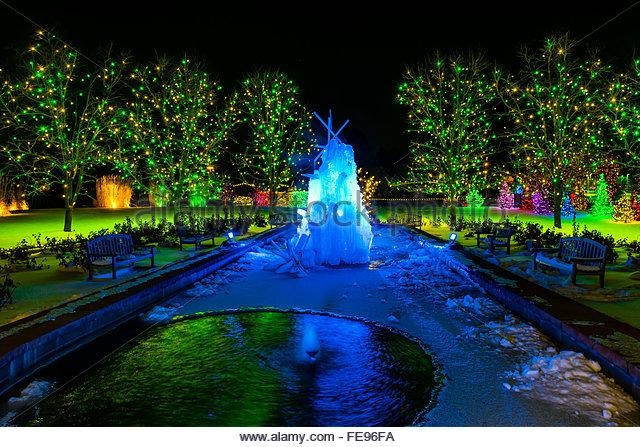 Fountain Light Show Night Stock Photos Fountain Light Show Night Stock Images Alamy