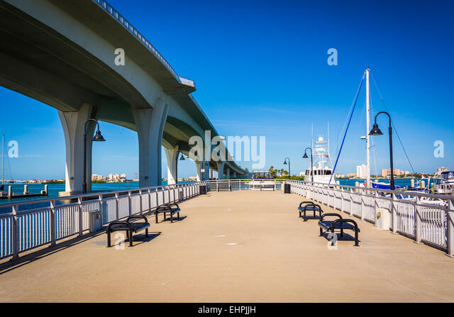 Clearwater memorial causeway stock photos clearwater for Clearwater fishing pier