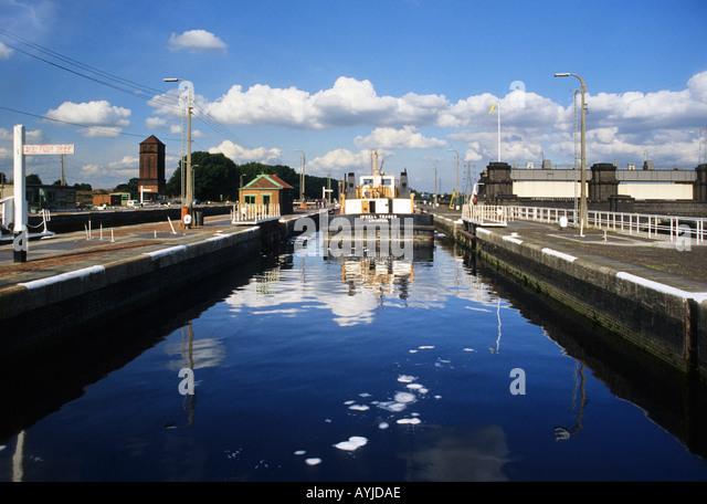 Manchester Ship Canal Barge Stock Photos Amp Manchester Ship
