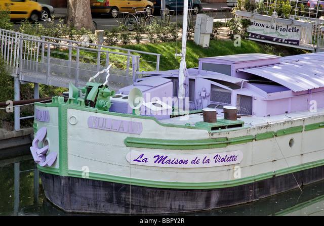 Garonne river barge stock photos garonne river barge for Maison violette toulouse