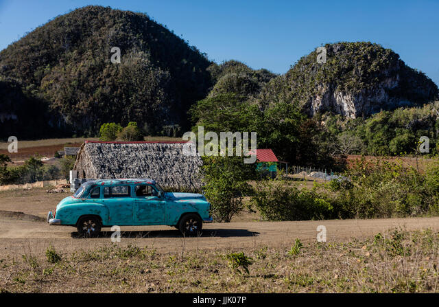 Vintage American cars are a common site - VINALES, PINAR DEL RIO, CUBA - Stock Image