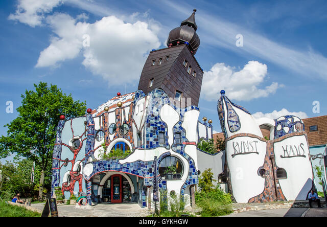 Germany architect friedensreich hundertwasser stock photos for Architecture hundertwasser