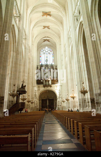 interior saint pierre cathedral france stock photos interior saint pierre cathedral france. Black Bedroom Furniture Sets. Home Design Ideas