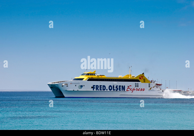 Sea express catamaran stock photos sea express catamaran for Oficina fred olsen santa catalina
