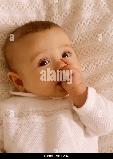 how to stop infant thumb sucking