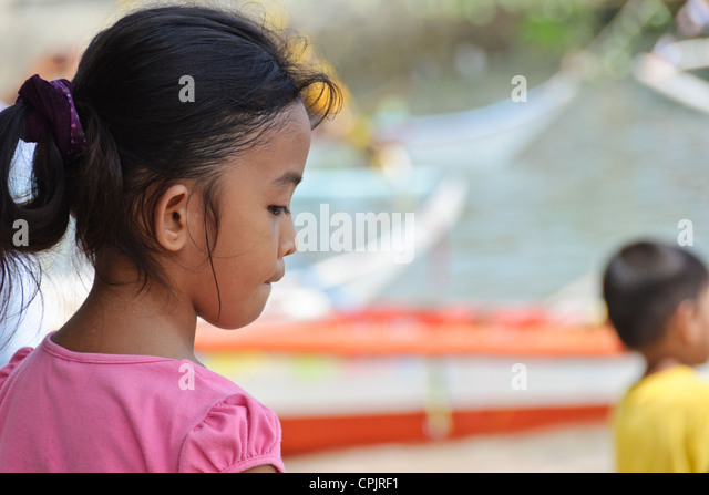 puerto ayora single asian girls And girls will have different rooms)  we journey to puerto ayora,  8 wwwecologyprojectorg 4067218784 infoecologyprojectorg p.