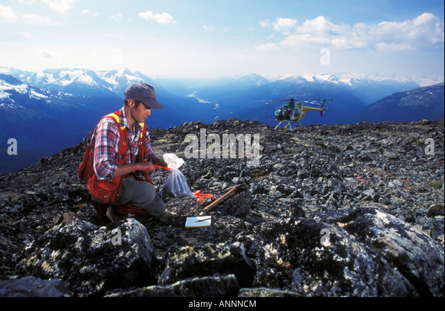 how to become a geologist in canada