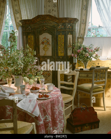 interiors traditional dining rooms tablecloths stock photos