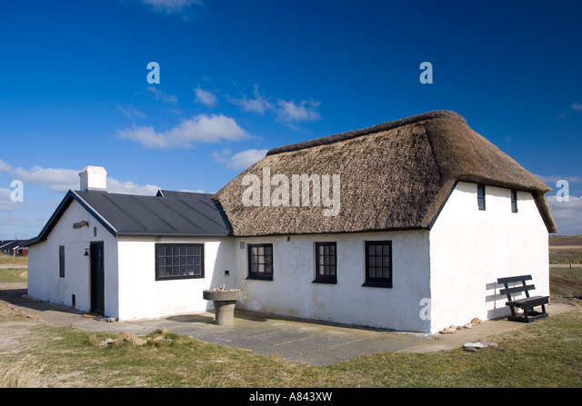 Thatched fishermans cottage stock photos thatched fishermans cottage stock images alamy - The fishermans cottage ...